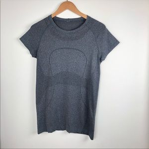 Lululemon womans size 10 gray run swiftly top